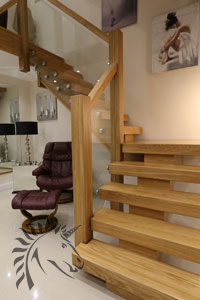 X-Vision oak and glass staircase