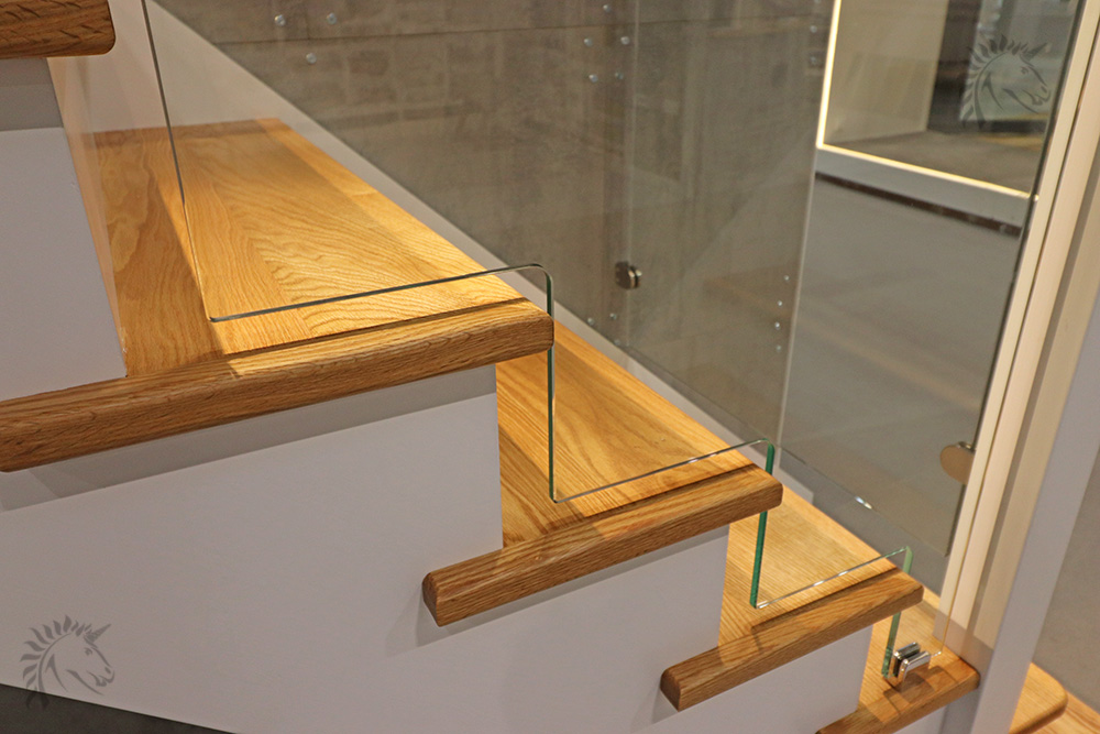 Dallas Cut String Staircase With Glass Stepped Balustrade
