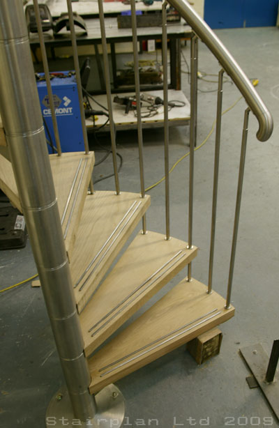 Spiral staircases made to measure
