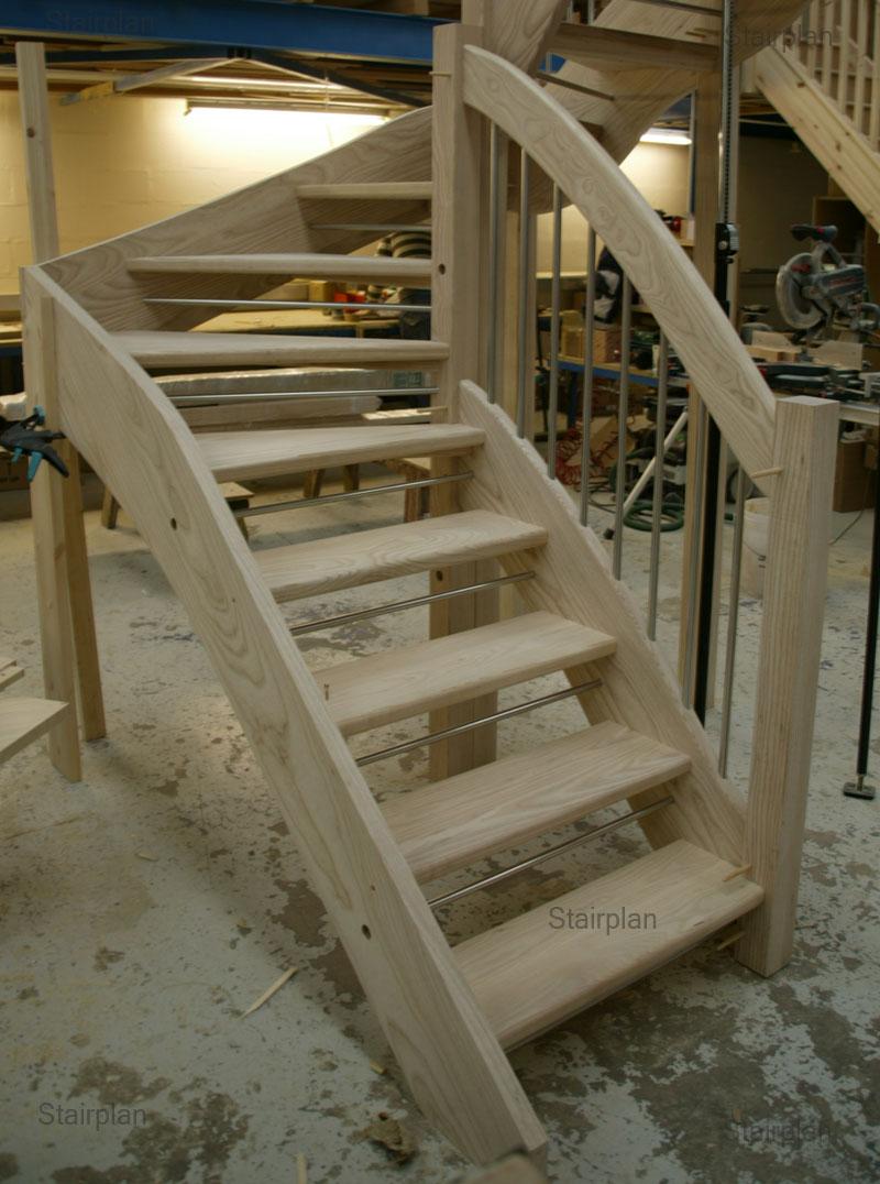 Ash Open Riser Staircase European Style Handrail