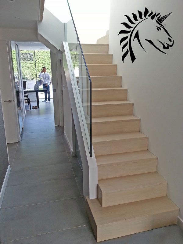 Marion Oak Staircase with Framelsss Glass balustrades