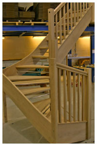 Oak openplan with oak squre balusters