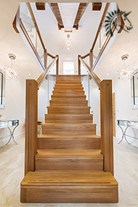z-vision-oak-central-feature-staircase