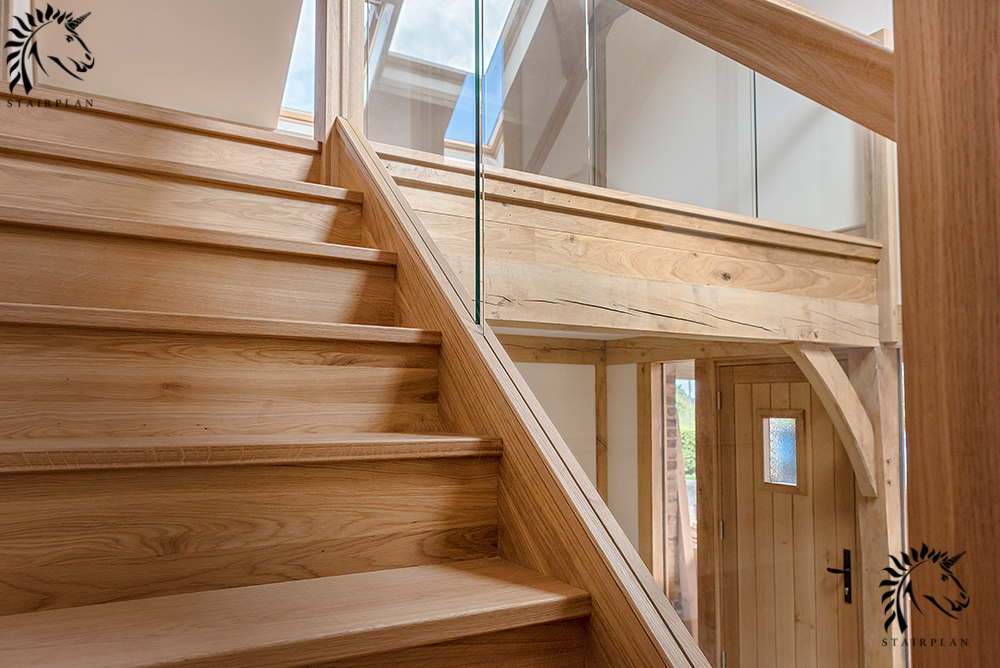 luxury oak staircases with inline glass balustrade