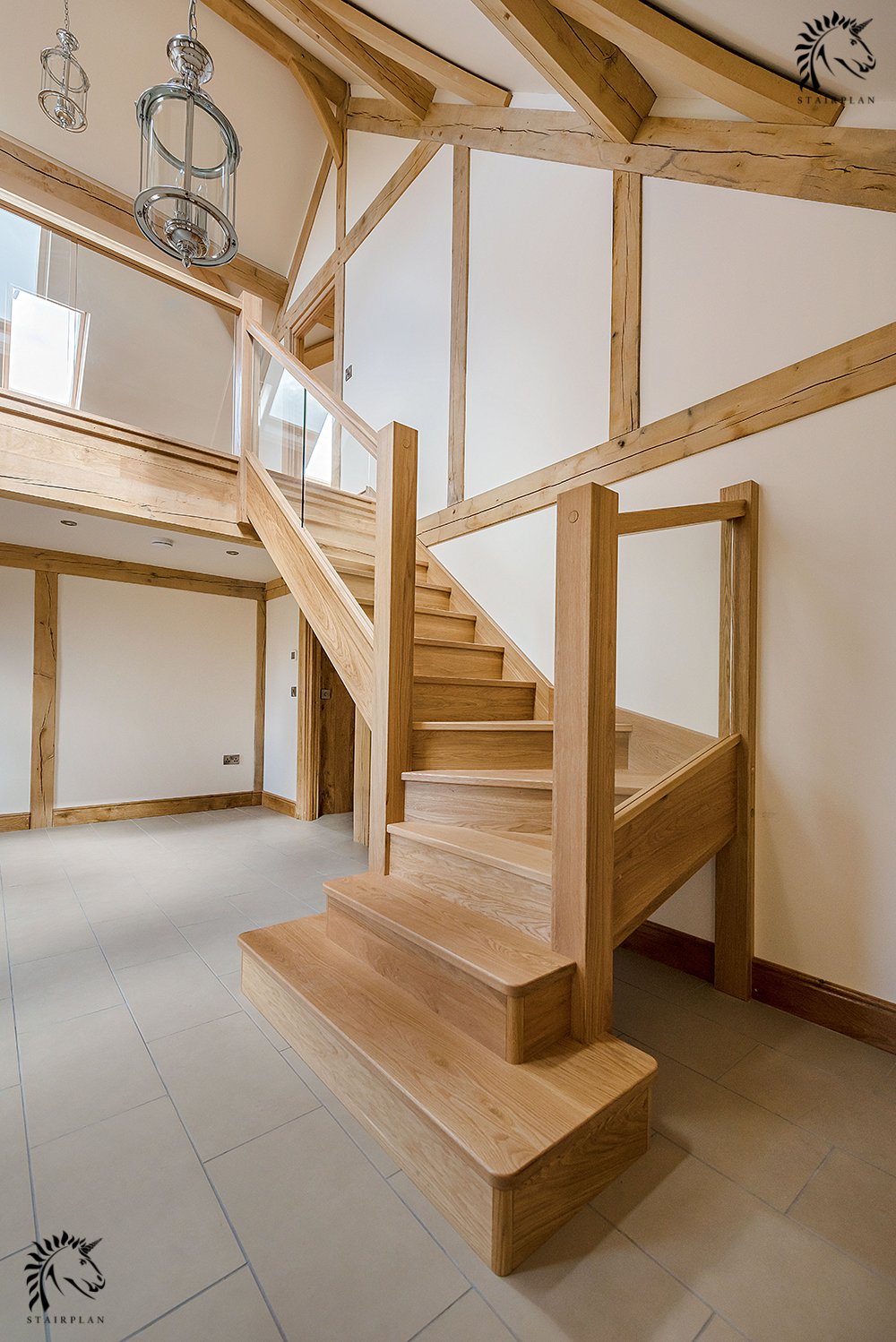 Preston Oak winder staircase layout with Glass