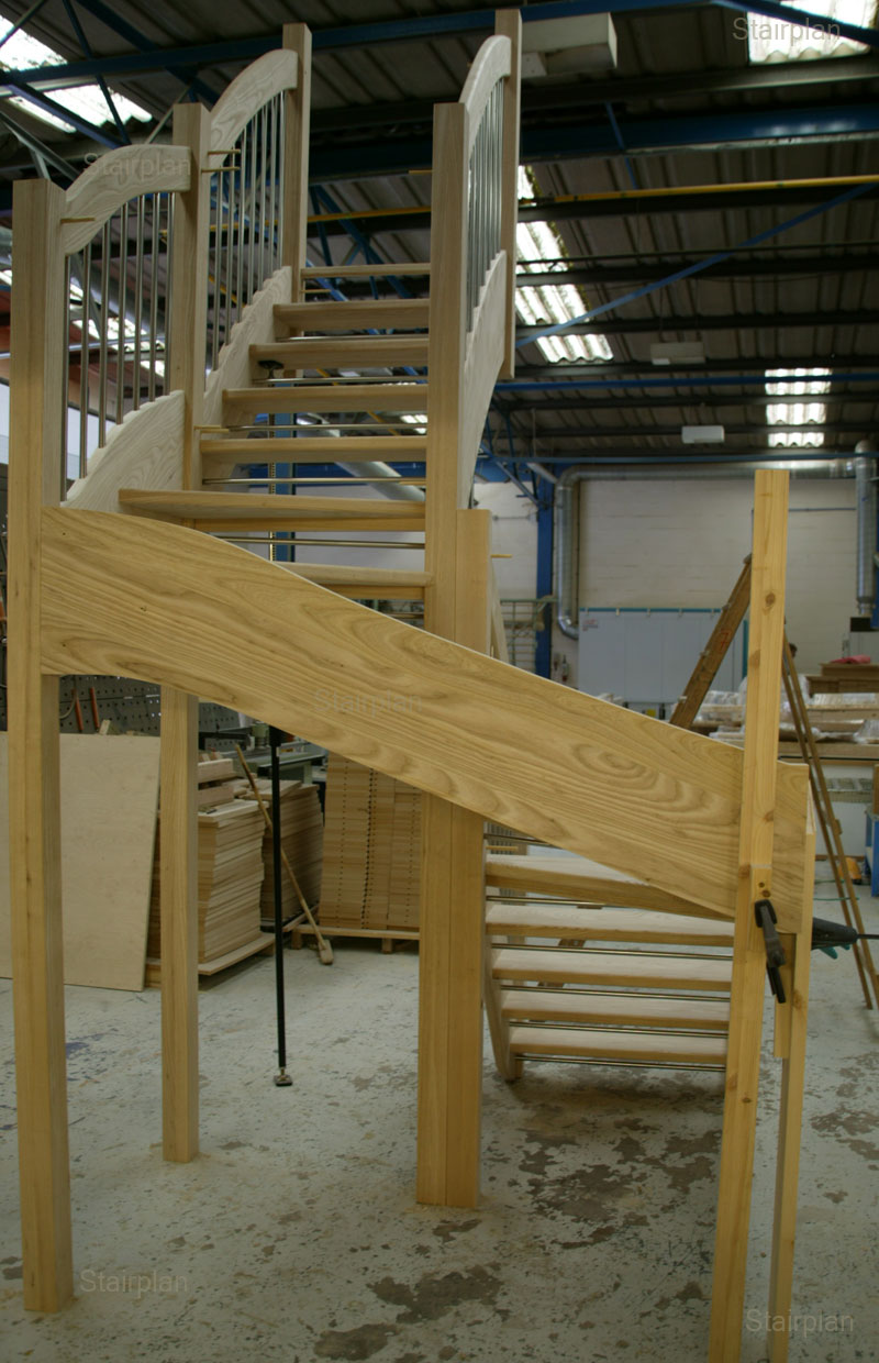 Ash open riser staircase european style handrail for Building winder stairs