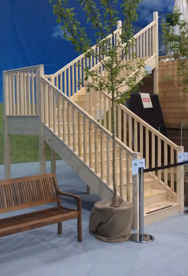 Need a staircase urgently for Quarter landing staircase